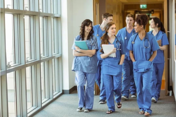 How to Enter a Medical School: Useful Tips for Applicants